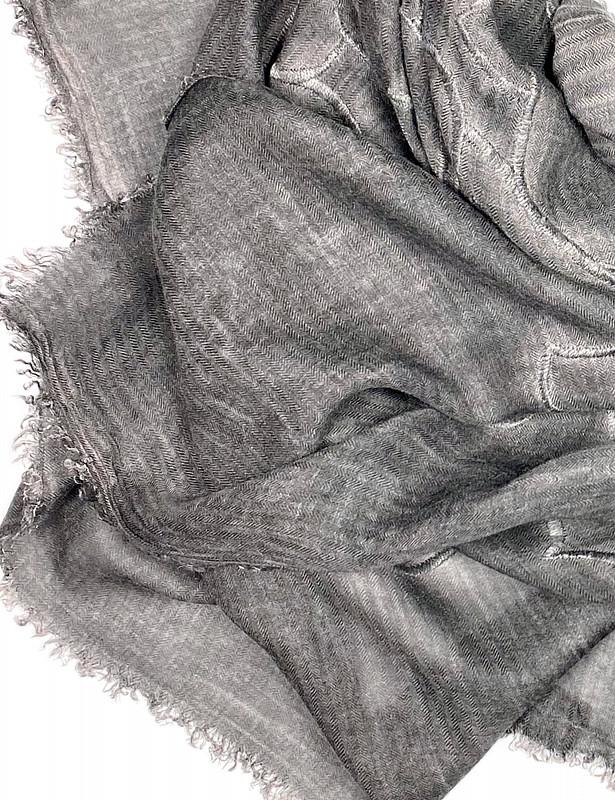 est-stole-modal-cashmere-b-detail.jpg