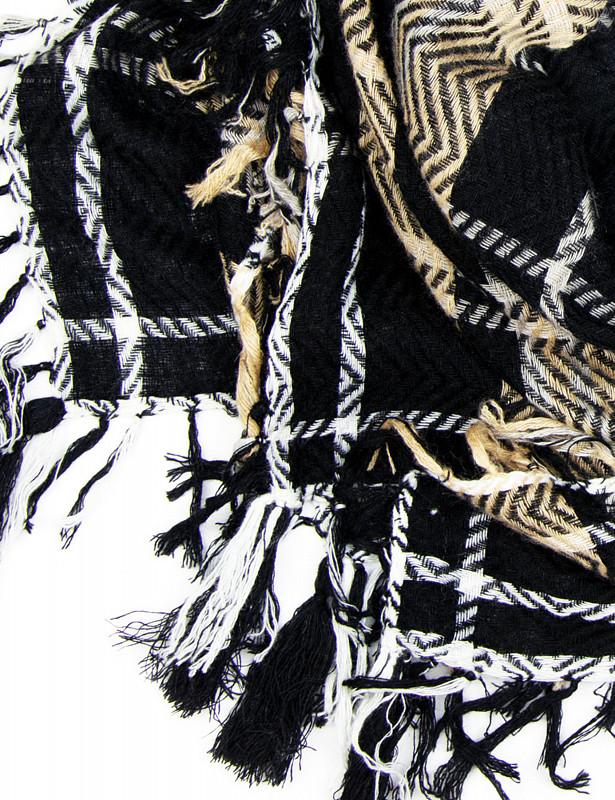 scotland-square-wool-cashmere-m-black-detail.jpg