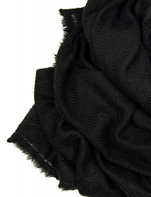 uma-stole-wool-cashmere-black-detail.jpg