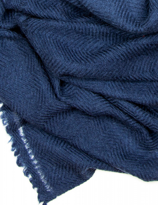 uma-stole-wool-cashmere-nights-detail.jpg
