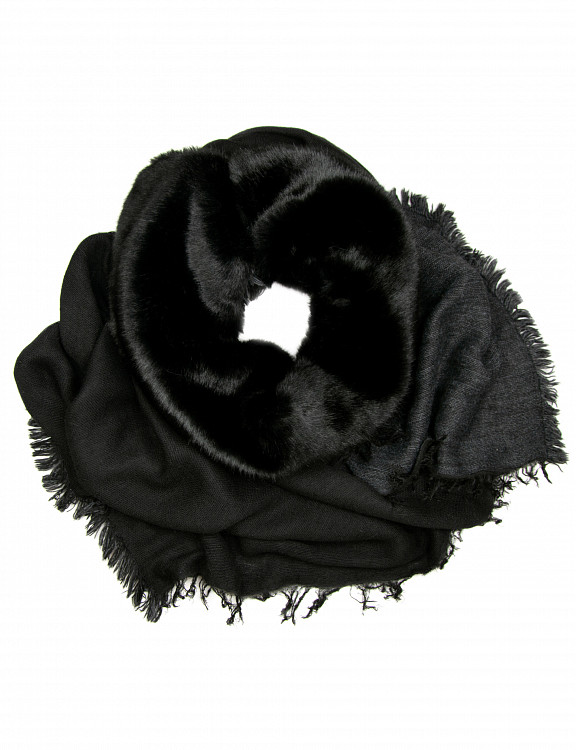 salice-scarf-fauxfur-p-black-emotional.jpg