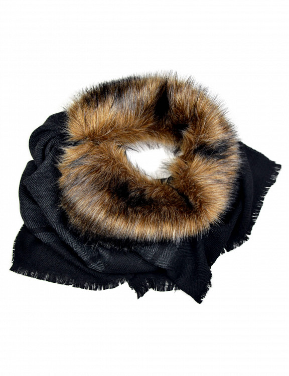 urian-scarf-fauxfur-c-grey-emotional.jpg